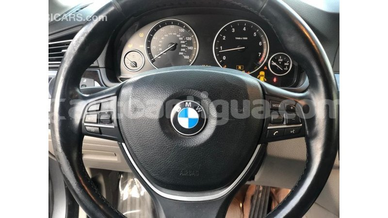 Big with watermark bmw r antigua import dubai 3267