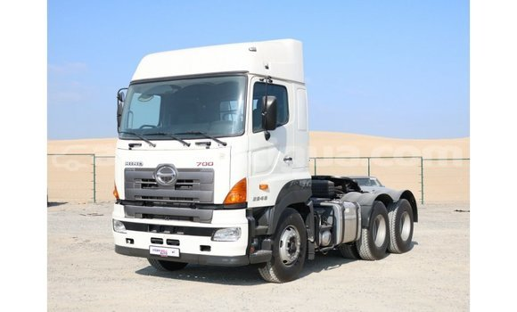 Buy Import Hino 300 Series White Truck in Import - Dubai in Antigua